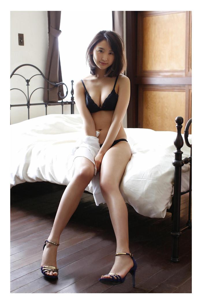 小野乃乃香写真集《FRIDAY「艶めくEカップボディ」》高清全本[82P] 日系套图-第2张