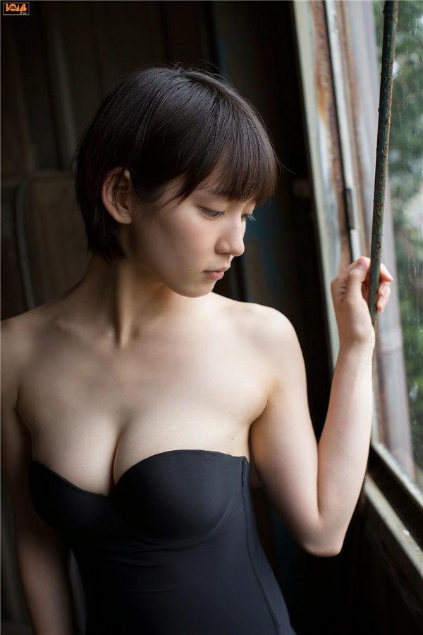 吉冈里帆写真集《[BOMB.tv] GRAVURE Channel 2014年10月号 Riho Yoshioka》高清全本[76P] 日系套图-第3张