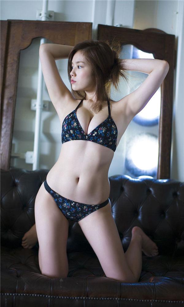 笕美和子写真集《1メートル先の、みーこ。》高清全本[60P] 日系套图-第3张