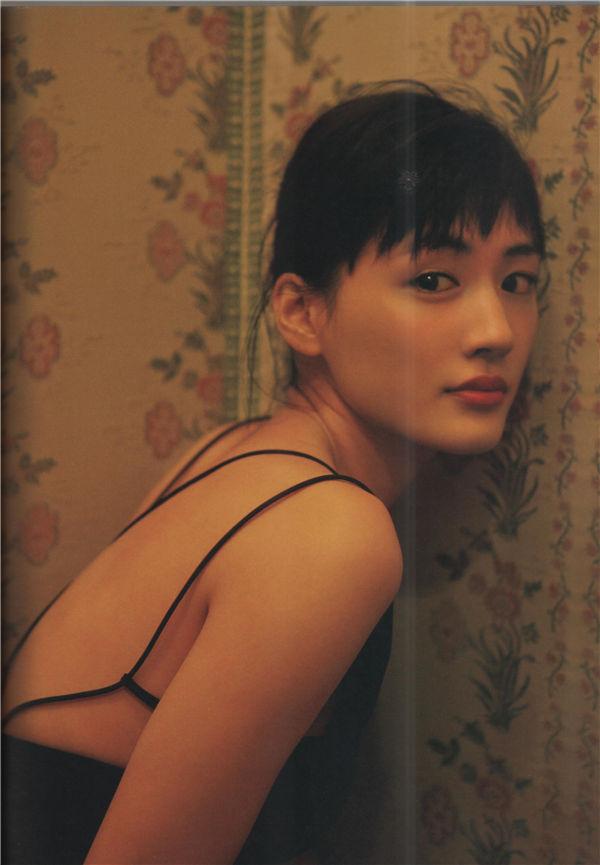 绫濑遥写真集《MOMENTO》高清全本[145P] 日系套图-第3张