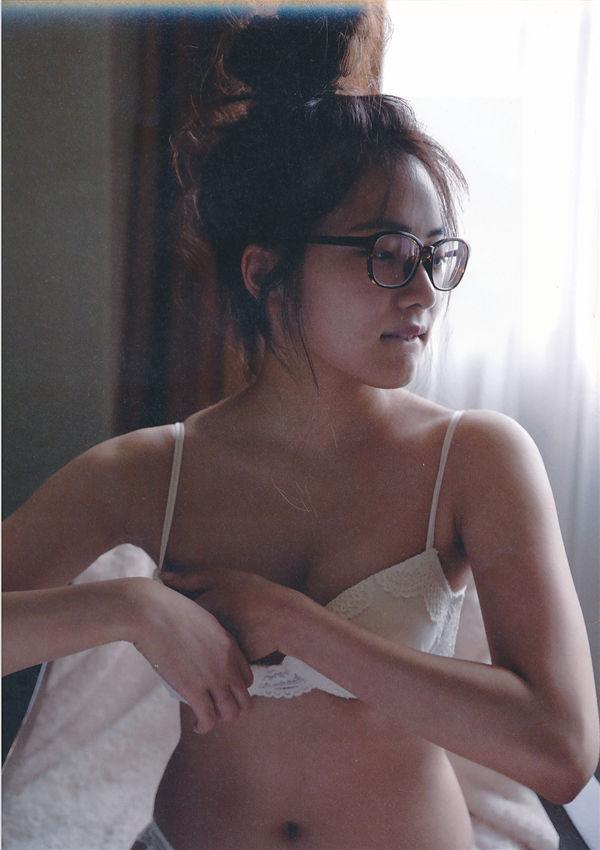 入山杏奈1ST写真集《美しい罪》高清全本[122P] 日系套图-第4张