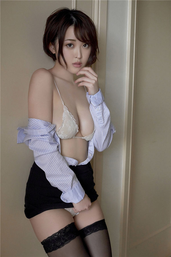 忍野さら写真集《[YS-Web] 2018-09-19 Vol.819 Sara Oshino 忍野さら》高清全本[115P] 日系套图-第8张