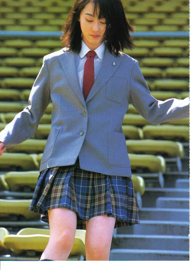 秋山莉奈写真集《RINA》高清全本[97P] 日系套图-第2张