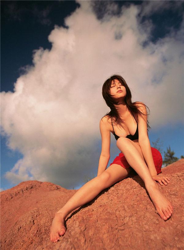 杉本有美写真集《[YS Web] Vol.238 Yumi Sugimoto 杉本有美 [ハニカミまして、おめでとう!]》高清全本[142P] 日系套图-第5张