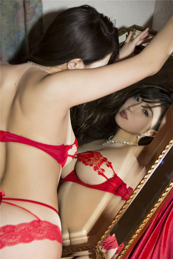 森咲智美写真集《[YS Web] 2018-10-03 Vol.821 Tomomi Morisaki 「ハイスペックSEXY美女としっぽり温泉旅」》高清全本[116P] 日系套图-第5张