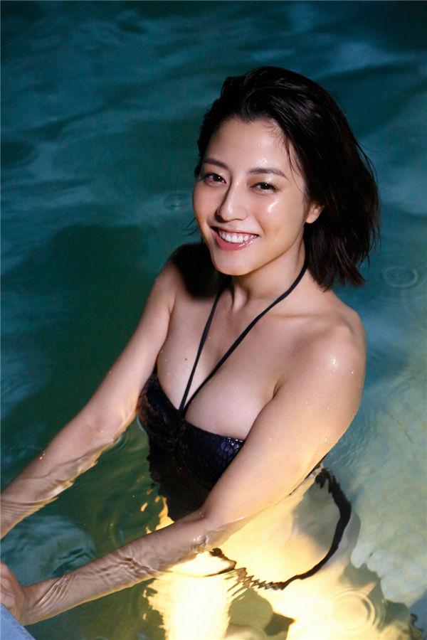 杉本有美写真集《[Ys Web] 2017-01-25 Vol.735 Yumi Sugimoto 杉本有美》高清全本[121P] 日系套图-第4张