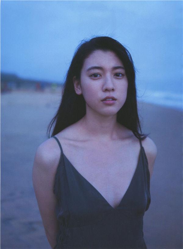 三吉彩花写真集《わたし》高清全本[144P] 日系套图-第3张