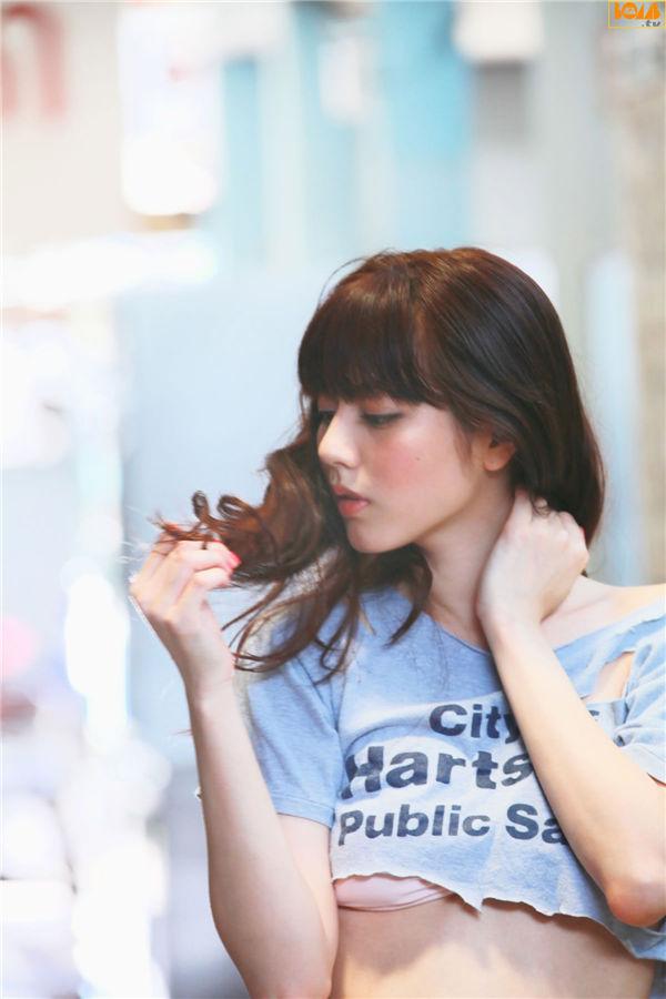 杉本有美写真集《[BOMB.tv] 2011.09 Yumi Sugimoto 杉本有美》高清全本[54P] 日系套图-第1张