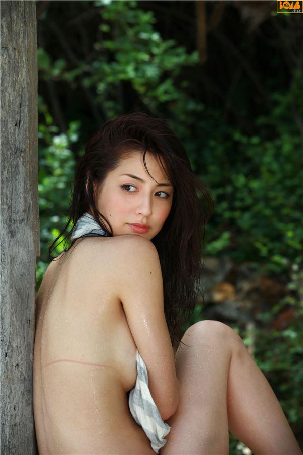杉本有美写真集《[BOMB.tv] 2011.09 Yumi Sugimoto 杉本有美》高清全本[54P] 日系套图-第5张
