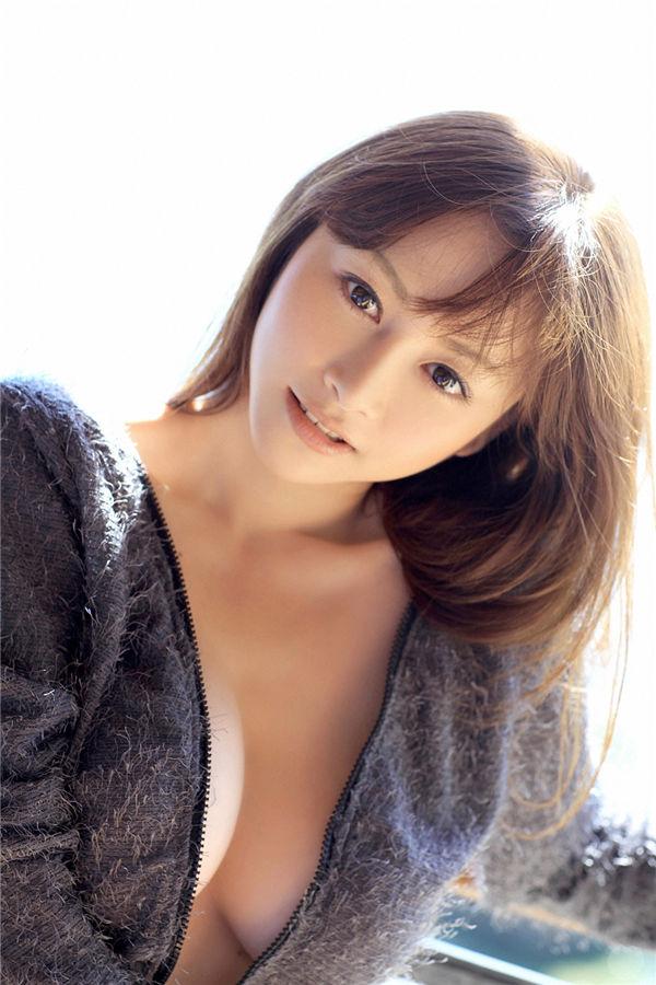 杉原杏璃写真集《[YS Web] Vol.349 Anri Sugihara 杉原杏璃 – 密会》高清全本[105P] 日系套图-第1张