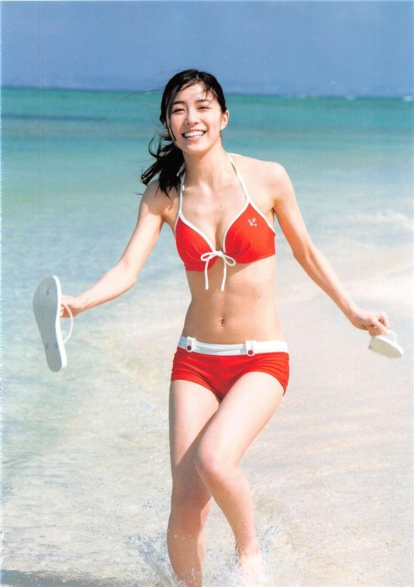 松井珠理奈1ST写真集《Jurina》高清全本[144P] 日系套图-第2张