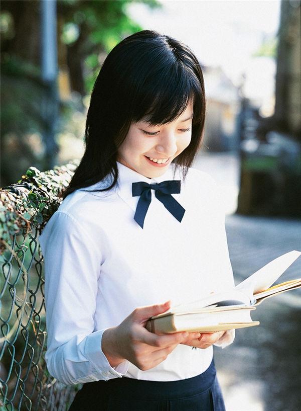 夏帆写真集《[YS Web] 2005.11 Vol.140 Kaho 夏帆 Original Smile-UNDERAGE!》高清全本[36P] 日系套图-第2张