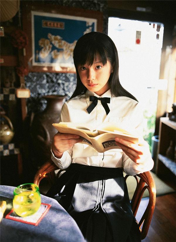 夏帆写真集《[YS Web] 2005.11 Vol.140 Kaho 夏帆 Original Smile-UNDERAGE!》高清全本[36P] 日系套图-第3张