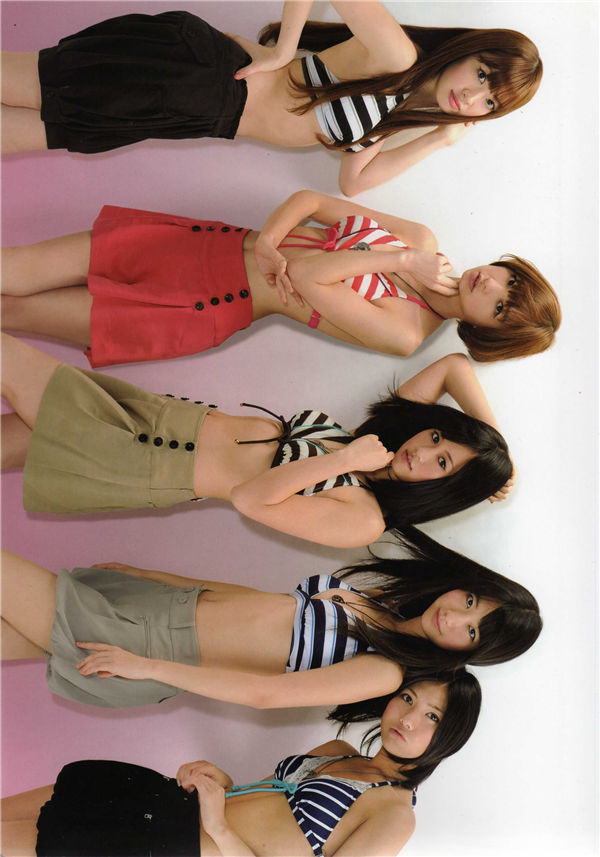 AKB48写真集《AKB48 FASHION BOOK わがままガールフレンド ~おしゃれプリンセスを探せ!》高清全本[93P] 日系套图-第2张