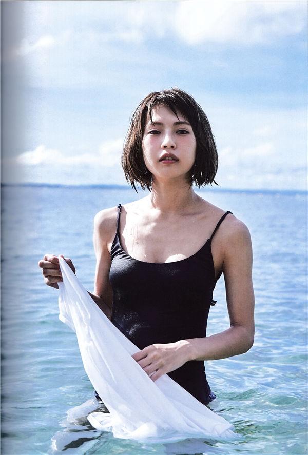 小野春菜写真集《SOMEWHERE》高清全本[128P] 日系套图-第2张
