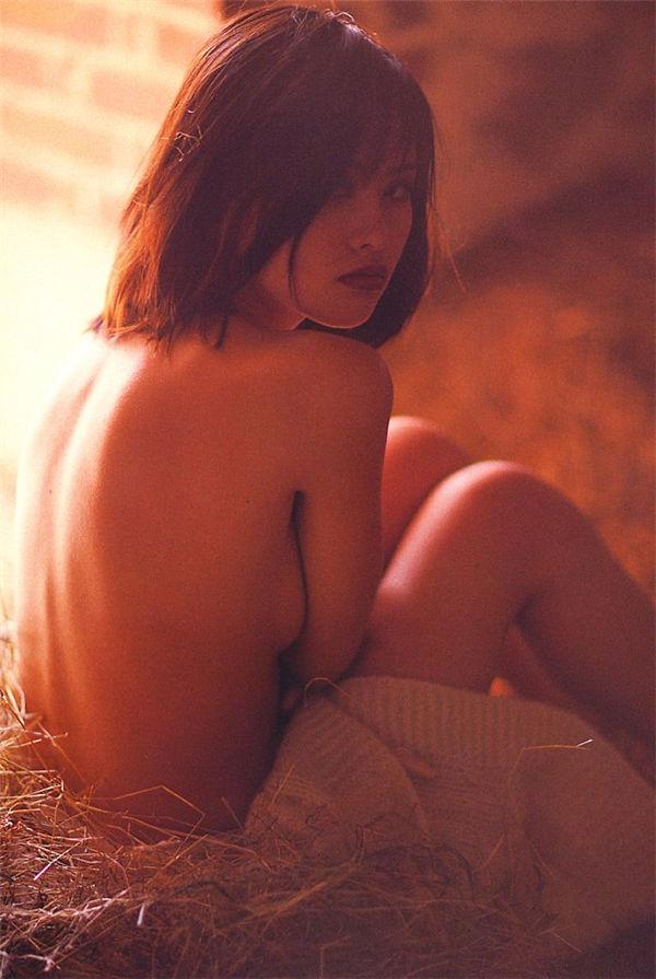 筱山纪信摄影作品《少女の欲望》高清全本[106P] 日系套图-第5张