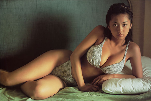 优香写真集《Sirena》高清全本[56P] 日系套图-第2张