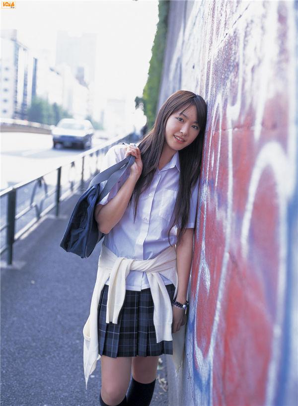 新垣结衣写真集《[Bomb.TV] 2006.07 Yui Aragaki》高清全本[92P] 日系套图-第2张