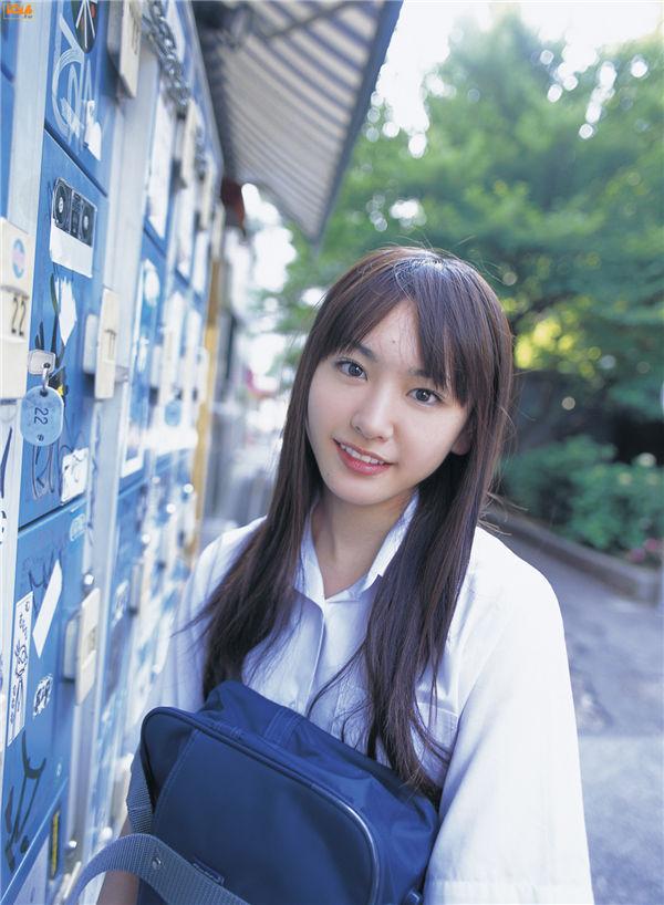 新垣结衣写真集《[Bomb.TV] 2006.07 Yui Aragaki》高清全本[92P] 日系套图-第1张