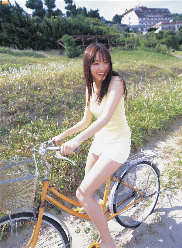 新垣结衣写真集《[Bomb.TV] 2006.07 Yui Aragaki》高清全本[92P] 日系套图-第4张