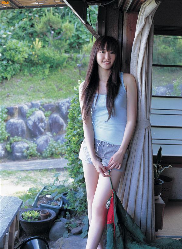 新垣结衣写真集《[Bomb.TV] 2006.07 Yui Aragaki》高清全本[92P] 日系套图-第5张