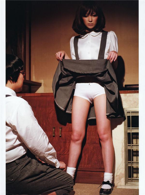仲村美宇写真集《Real Fake Doll》高清全本[74P] 日系套图-第8张