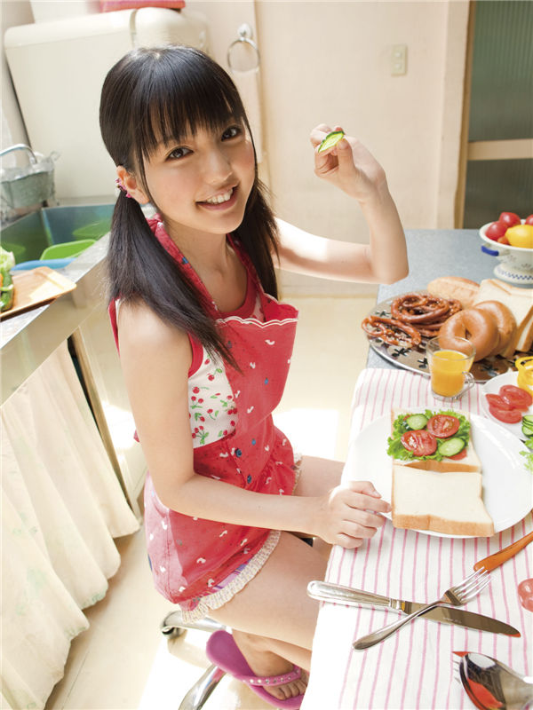 真野惠里菜写真集《[Sabra.net] 2009-11-05 strictly girls - 真野恵里菜 - Autumn Breeze》高清全本[40P] 日系套图-第4张