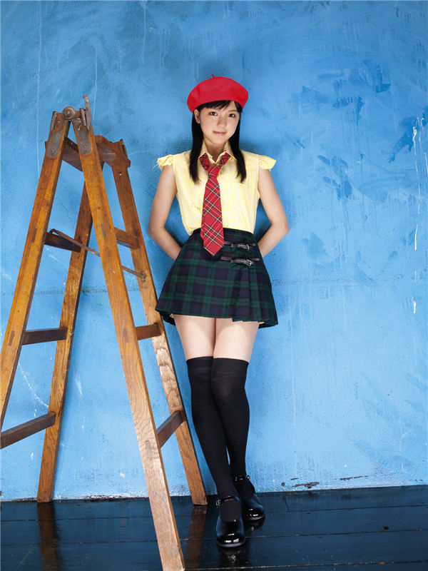 真野惠里菜写真集《[Sabra.net] 2009-11-05 strictly girls - 真野恵里菜 - Autumn Breeze》高清全本[40P] 日系套图-第2张