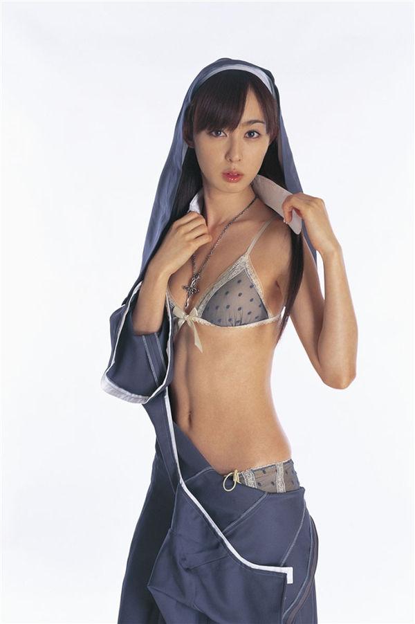 秋山莉奈写真集《TARGET》高清全本[60P] 日系套图-第6张