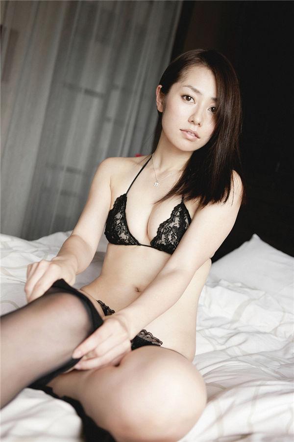 谷桃子写真集《[Ys Web] Vol.385 谷桃子 Momoko Tani『完熟』》高清全本[131P] 日系套图-第2张