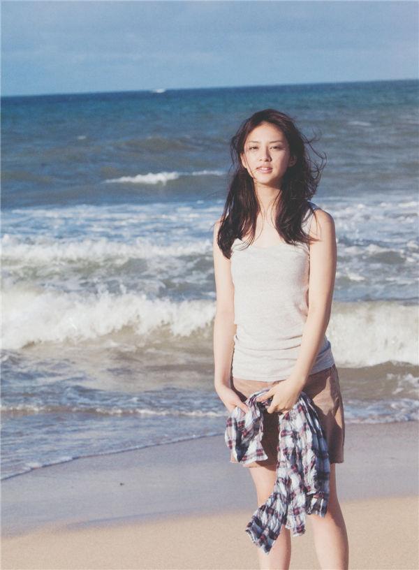 武井咲写真集《PLUMERIA》高清全本[99P] 日系套图-第4张