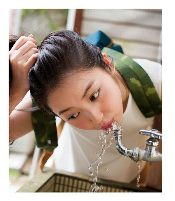 佐佐木希写真集《かくしごと》高清全本[178P] 日系套图-第2张