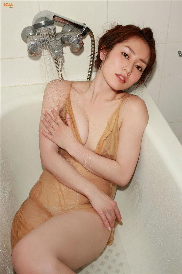 谷桃子写真集《[BOMB.tv] GRAVURE Channel 2012年08月號 Momoko Tani》高清全本[107P+3V] 日系套图-第4张