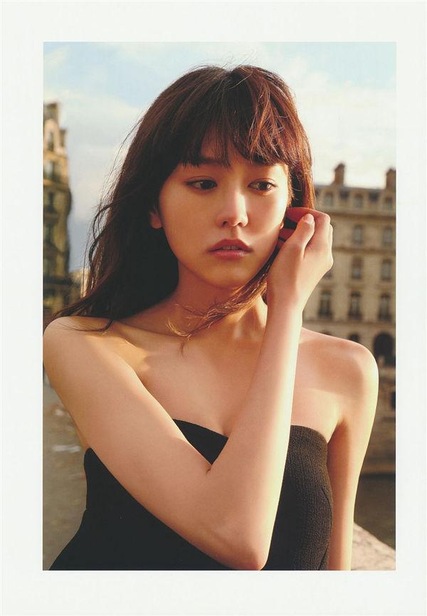 桐谷美玲1ST写真集《失恋、旅行、パリ。》高清全本[103P] 日系套图-第2张