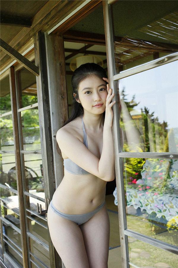 今田美樱写真集《[WPB-net] Extra EX593 Mio Imada 今田美桜 The tenderness of the sun 陽だまりのやさしさ》高清全本[69P] 日系套图-第4张