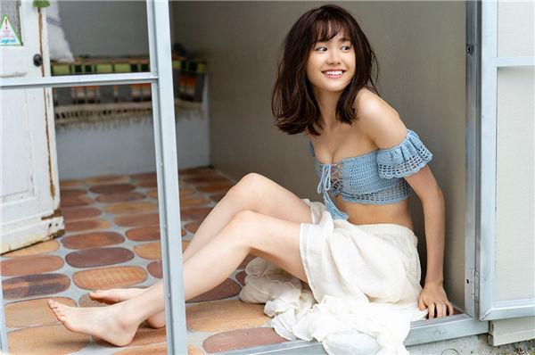 尾碕真花写真集《[WPB-net] Extra EX870 Ichika Osaki 尾碕真花 - この足の長さ規格外、この笑顔 天才的!》高清全本[72P] 日系套图-第2张