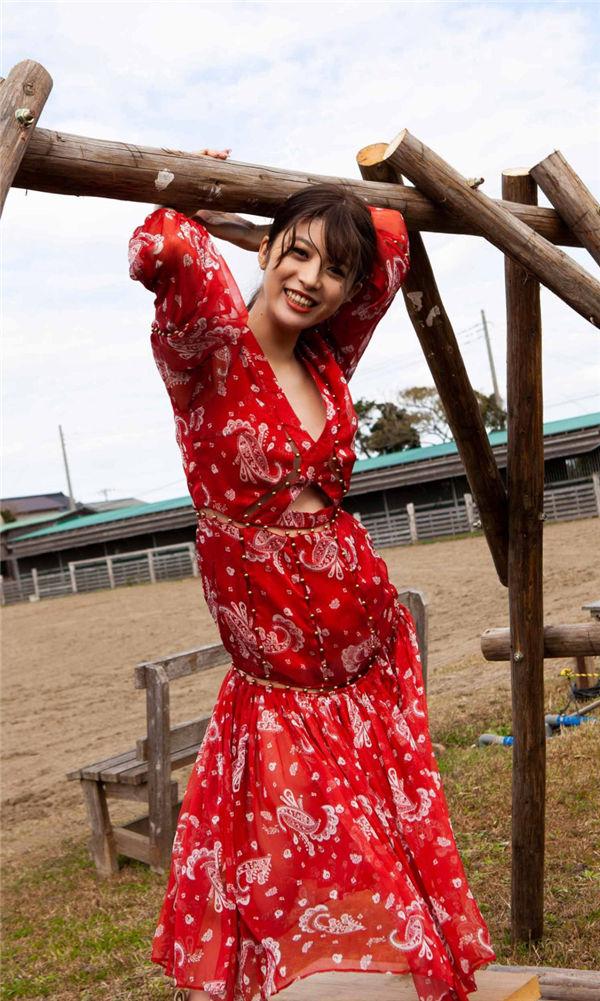 马场富美加写真集《WONDER WONDER WOMAN》高清全本[42P] 日系套图-第2张