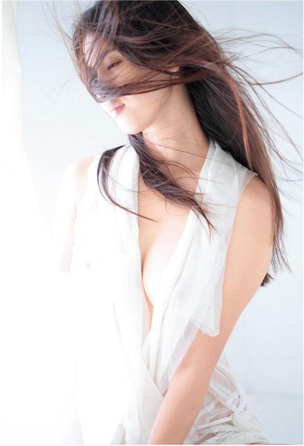 桥本爱实写真集《MANAMI BY KISHIN》高清全本[123P] 日系套图-第4张