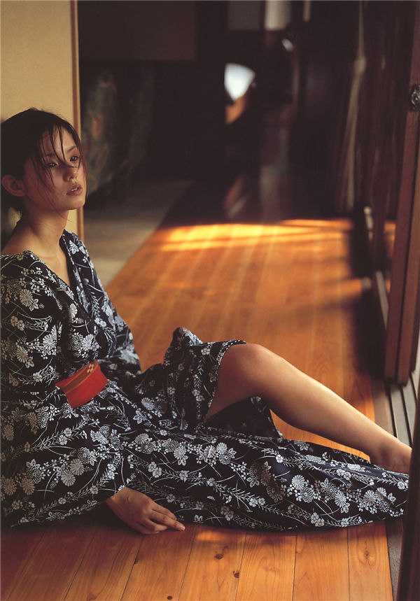 小西真奈美写真集《27》高清全本[160P] 日系套图-第7张