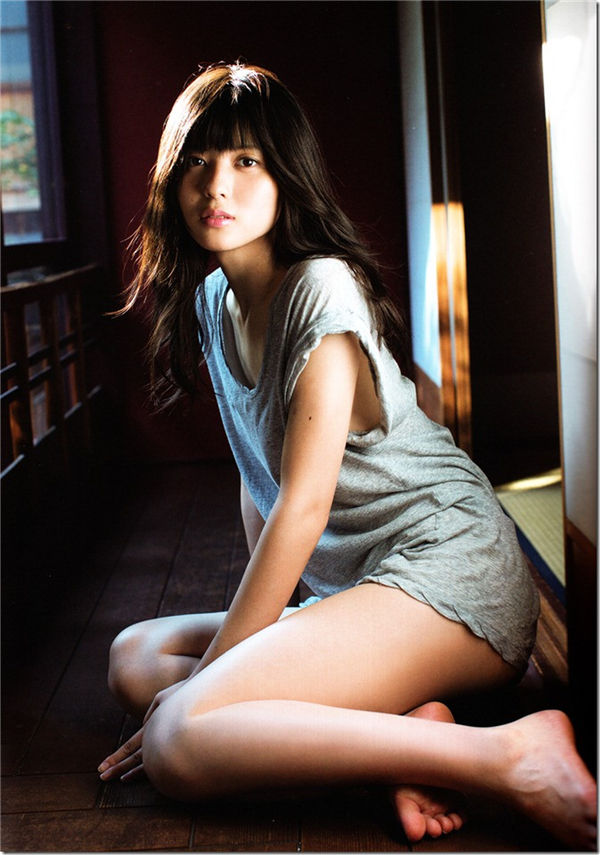 矢岛舞美写真集《ハタチ》高清全本[80P] 日系套图-第2张