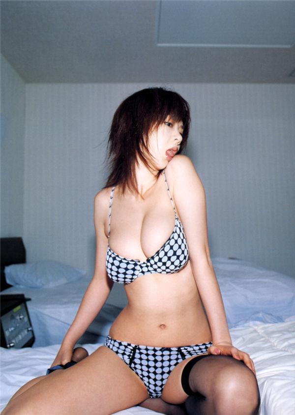 星野亚希写真集《秘桃》高清全本[77P] 日系套图-第6张