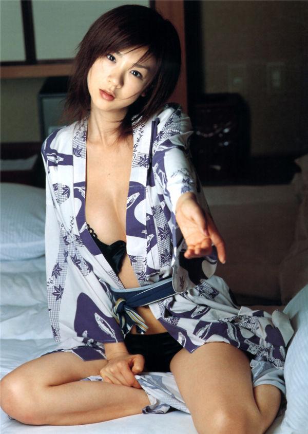 星野亚希写真集《秘桃》高清全本[77P] 日系套图-第2张