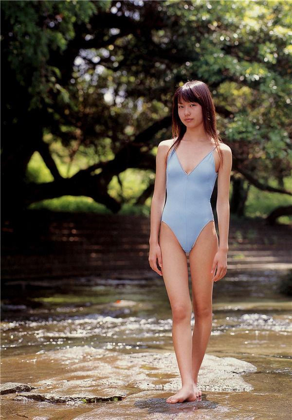户田惠梨香写真集《生まれた泉》高清全本[97P] 日系套图-第4张